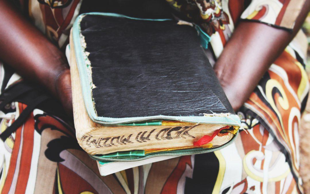 Biblar är en bristvara på Swahilikusten